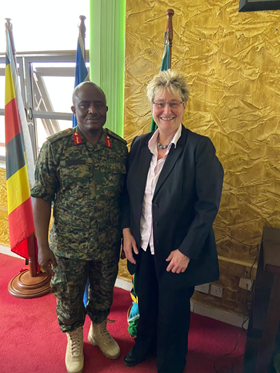 Besuch des Verteidigungsministeriums